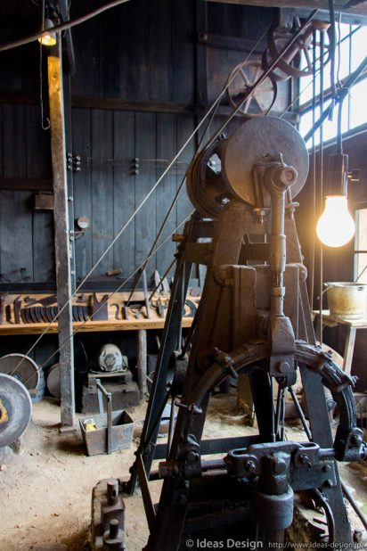孫惣刃物鍛冶 特注の機械